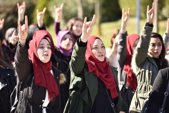 Archieffoto van protesterende studenten in Turkije.