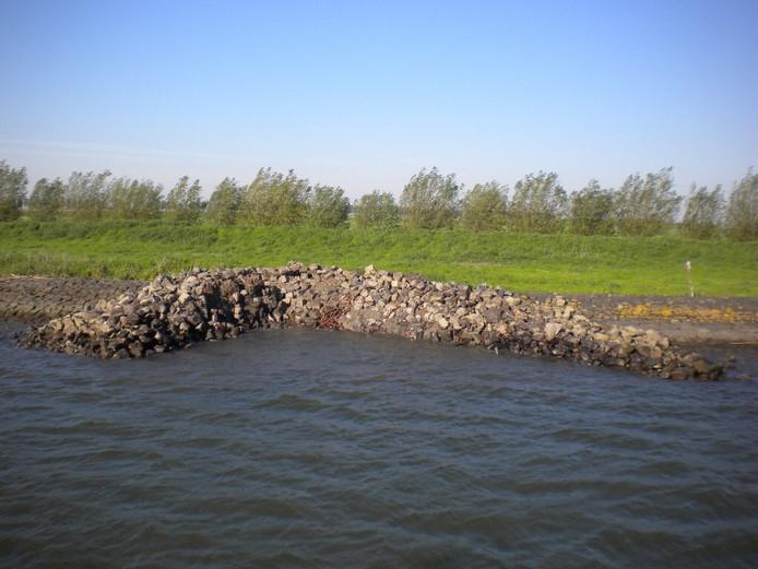 De rivier wordt steeds drukker en drukker.