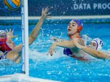 Waterpolosters plaatsen zich met monsterzege voor halve finale tegen Rusland