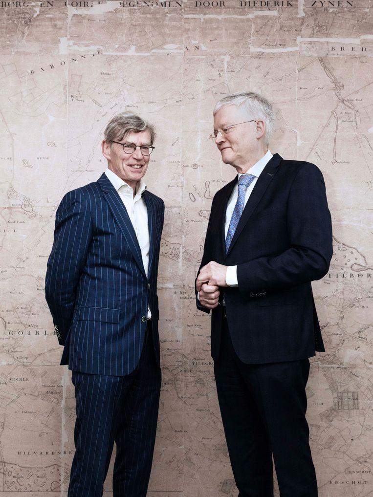 Ziekenhuisbaas Bart Berden (links) en burgemeester Theo Weterings gaan samen de coronacrisis te lijf in Tilburg. Beeld Kiki Groot