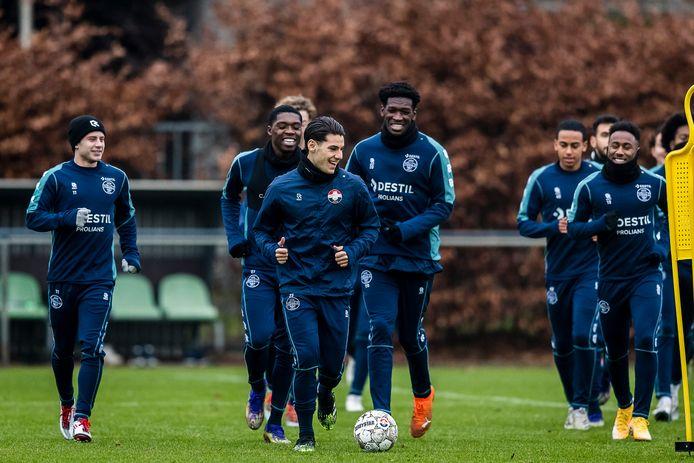 Lachende gezichten bij Willem II tijdens de training.