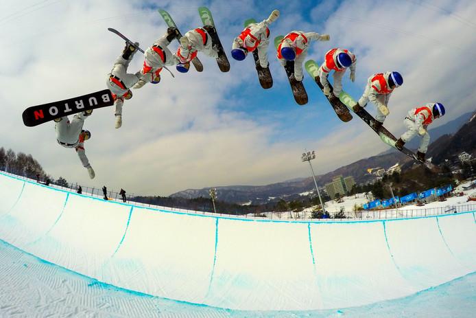 Een multiple exposure-foto van snowboarder Ben Ferguson.