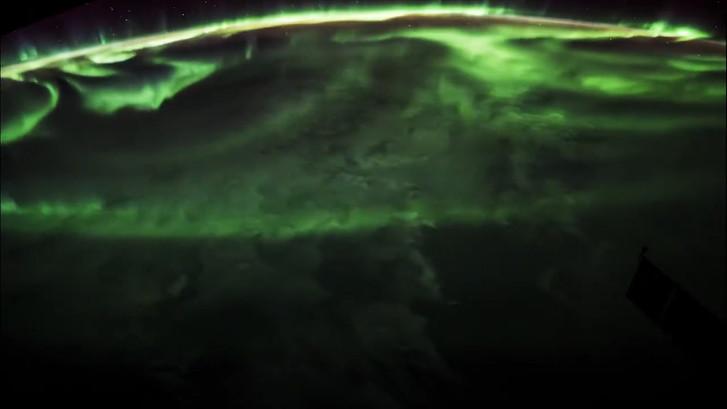 Zo ziet het poollicht er vanuit de ruimte uit
