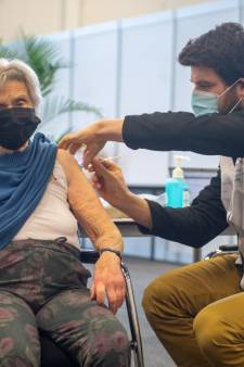Amersfoortse Joke (97) als eerste 90-plusser gevaccineerd: 'Ik wil nog meemaken dat alles weer normaal wordt'