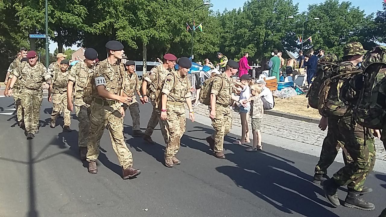 Militairen in Beuningen.