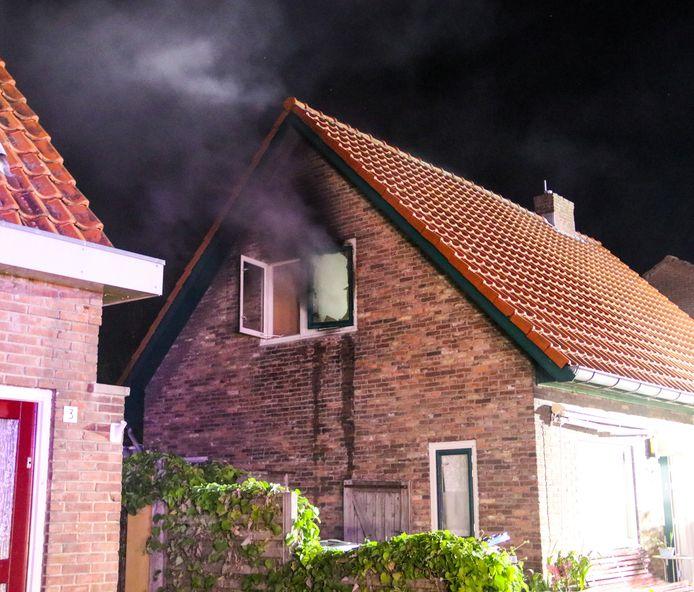 De woningbrand aan de Meester Cort van der Lindenstraat in Dieren.