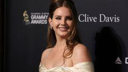 """Lana Del Rey annuleert Europese tournee wegens ziekte: """"Ik moet 4 weken rusten"""""""