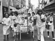 Nu is de Choorstraat doodstil en draaien de verplegers overuren, maar toen ze er in 1982 protesteerden stond de patiënt óók voorop
