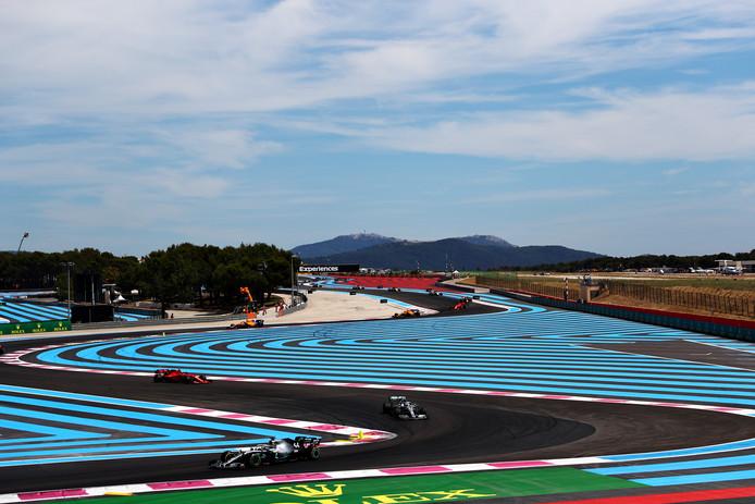 Lewis Hamilton en Valtteri Bottas leiden op Circuit Paul Ricard.