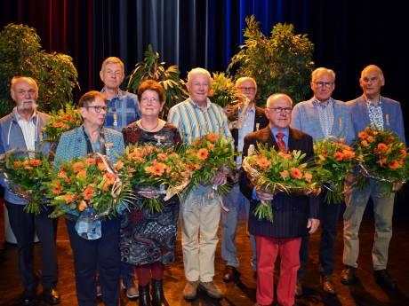 Lintjesregen op Voorne-Putten: wie kreeg één van de 30 onderscheidingen?
