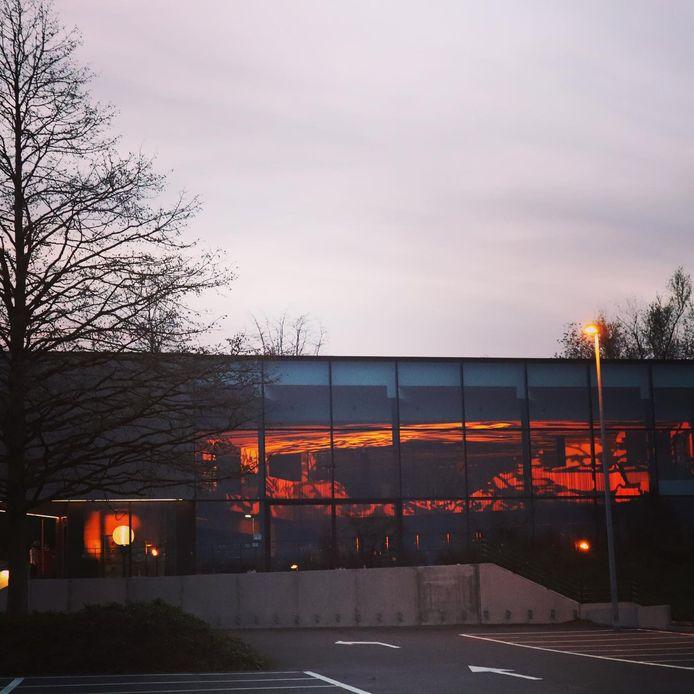 Cultuurhuis Emotia kleurt oranje op de internationale dag van geweld tegen vrouwen.