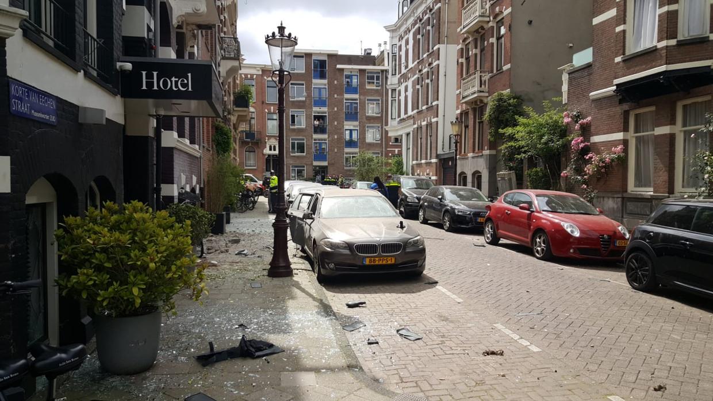 Ravage in de Korte Van Eeghenstraat na de ontploffing. Beeld