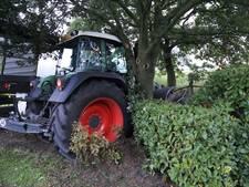 Auto en tractor botsen in Neerkant