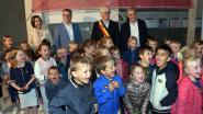 Minister bezoekt school in aanbouw De Kleine Wereld