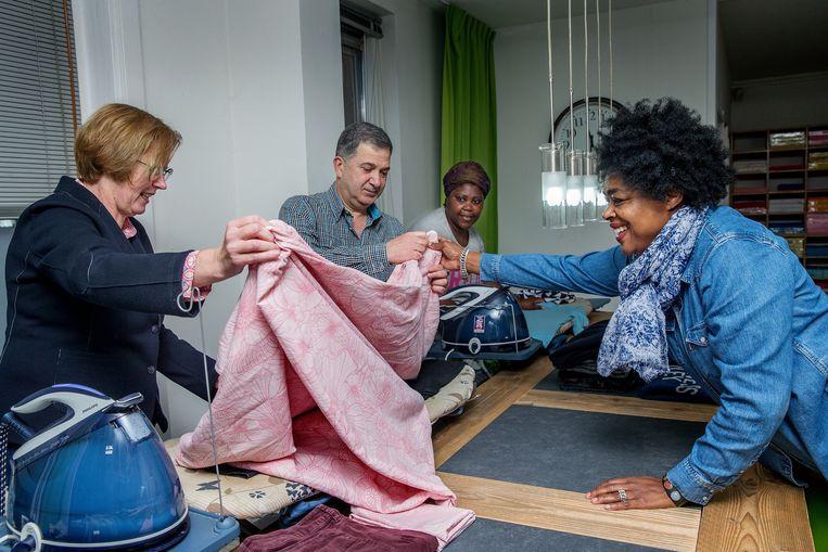 Het Huis van Waarde & Wederkeer is een sociale onderneming die mensen met een afstand tot de arbeidsmarkt een nuttige dagbesteding biedt of een opstapje naar werk. Beeld Jean-Pierre Jans
