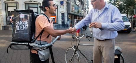 Asielzoekers gaan 'een bakkie doen' met Hollanders