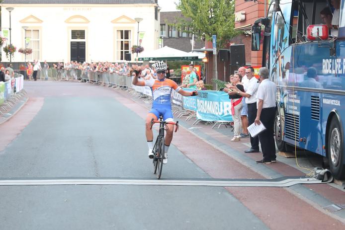 Yannick Vrielink wint de Ronde van Markelo