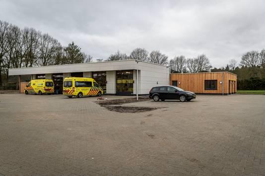 Aan het Biesven in Leende, waar mogelijk een nieuw politiebureau komt, is in maart 2020 een nieuwe ambulancepost geopend achter de brandweerkazerne.