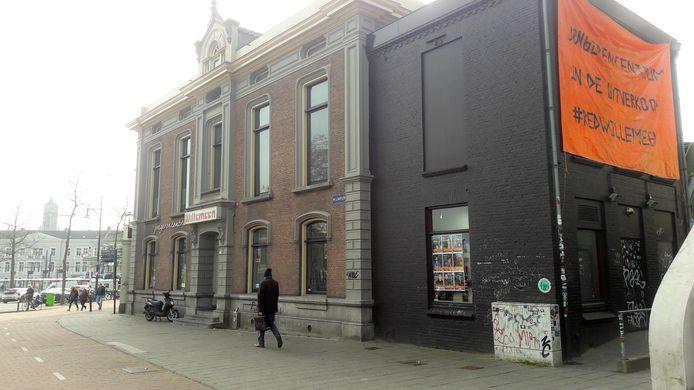 Willemeen zag het omgooien van de organisatie door de gemeente Arnhem als 'uitverkoop', gezien het spandoek op de zijmuur van het jongerencentrum. Nu lijkt het omgooien van de organisatie van de baan en kunnen Willemeen en Rijnstad gewoon blijven samenwerken.