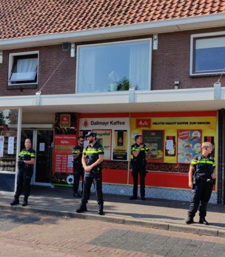 Politie verzegelt Twentse supermarkt na 18 overtredingen, eigenaar is woest