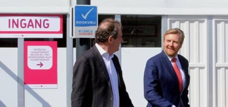 Koning Willem-Alexander op bezoek bij Jeroen Bosch Ziekenhuis: 'Tot ziens! Bedankt voor het bezoek!'