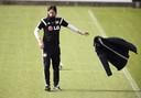 Schmidt op het veld van Leverkusen.