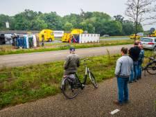 Politie betrapt 40 automobilisten op filmen met telefoon van gekantelde vrachtwagen op A50 bij Veghel
