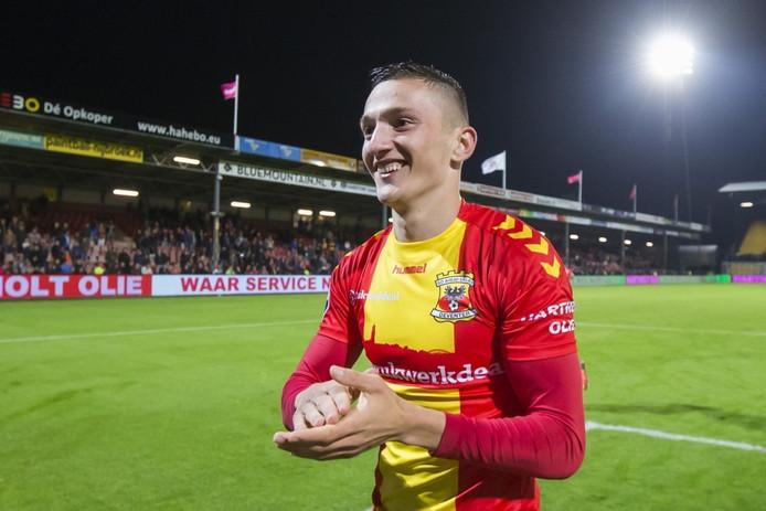 Stadion De Adelaarshorst, 01-10-2016, Uitslag 3-0, GA Eagles speler Sinan Bytyqi viert de overwinning na afloop