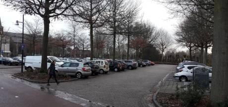 Kaalslag Dorsvlegel in hartje Wijchen voor bredere parkeervakken