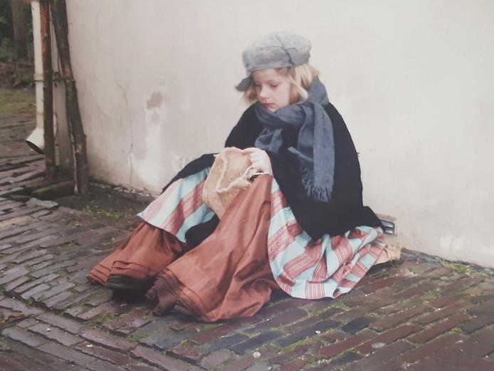 Jessy Faas als zwervertje op het Dickens Festijn in 2003
