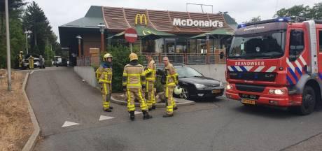 Sta je op je eten te wachten in de McDrive, vliegt je auto in brand