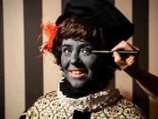 Meerderheid raad Arnhem vindt dat Grijze Piet te veel lijkt op Zwarte Piet