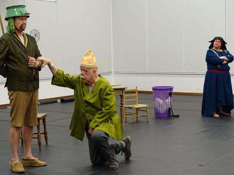 Anton Cogen speelde tijdens zijn revalidatie mee in een stuk over valpreventie.