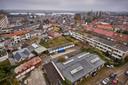 Uitzicht vanaf de Olympusflat. Waar het Hof van Cossee gebouwd gaat worden, staan nu nog werkloodsen en garages.