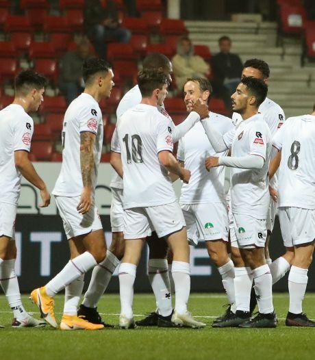 Telstar trakteert 728 toeschouwers op zes goals bij laatste duel met publiek