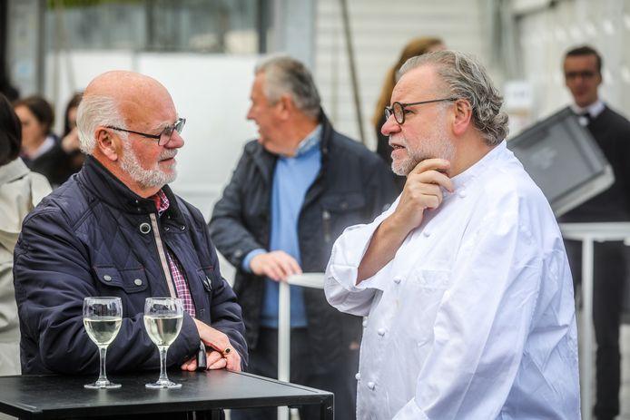 Brugge kookeet: een praatje slaan met topchef Geert Van Hecke die zijn naam verleent aan het plein tijdens kookeet