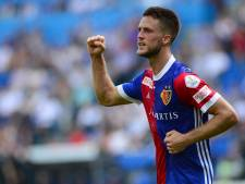 Van Wolfswinkel loodst Basel met twee goals naar punt