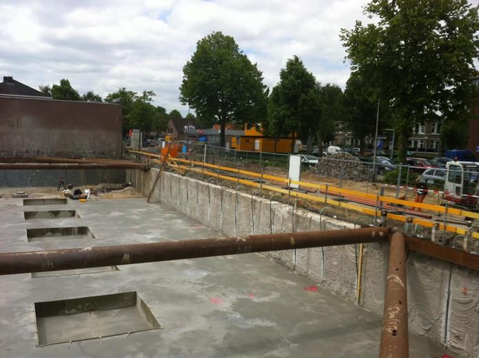 Onder de nieuwe parkeerkelder in Uden is straks plek voor heel wat auto's.