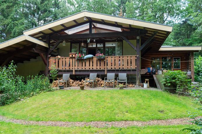 John Scheeres en zijn vrouw hoeven hun woning in Wissel toch niet deels af te breken.