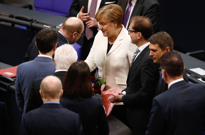 Ook de sociaaldemocraat Martin Schulz feliciteerde Merkel.