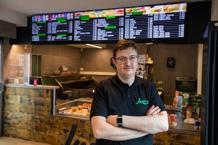 Uitbater Pieter-Jan Deraedt van frituur Luci's in Sint-Lambrechts-Herk werd afgelopen maandagavond slachtoffer van een gewapende overval.