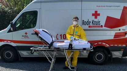 Coronapatiënten vervoeren en bijspringen in zwaar getroffen rusthuis De Meers: drukke tijden voor Rode Kruis Waregem-Anzegem