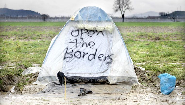 In Idomeni zijn zeker tienduizend vluchtelingen gestrand in tentjes. Beeld null