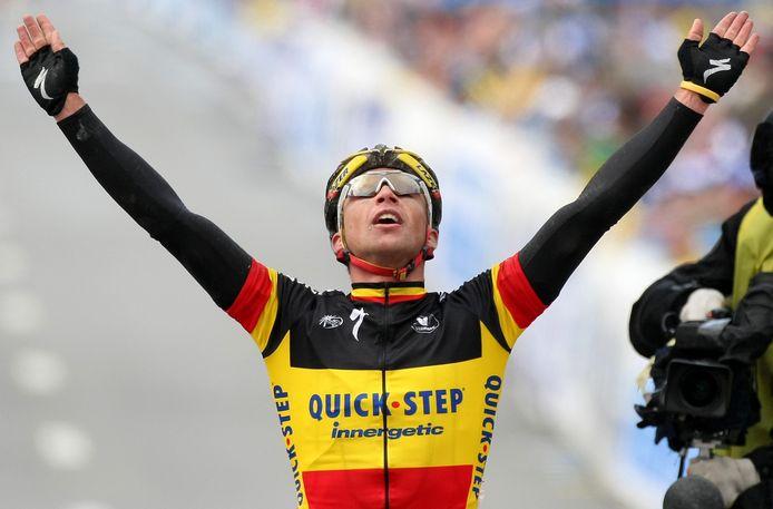 Stijn Devolder won de Ronde van Vlaanderen in 2008 in de Belgische kampioenentrui.