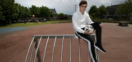 Kaj de Rooij kan vrijuit voetballen bij FC Eindhoven, net als vroeger op het veldje in Best