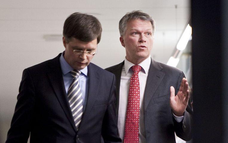 Jan Peter Balkenende (L) en Wouter Bos in 2010. Beeld anp