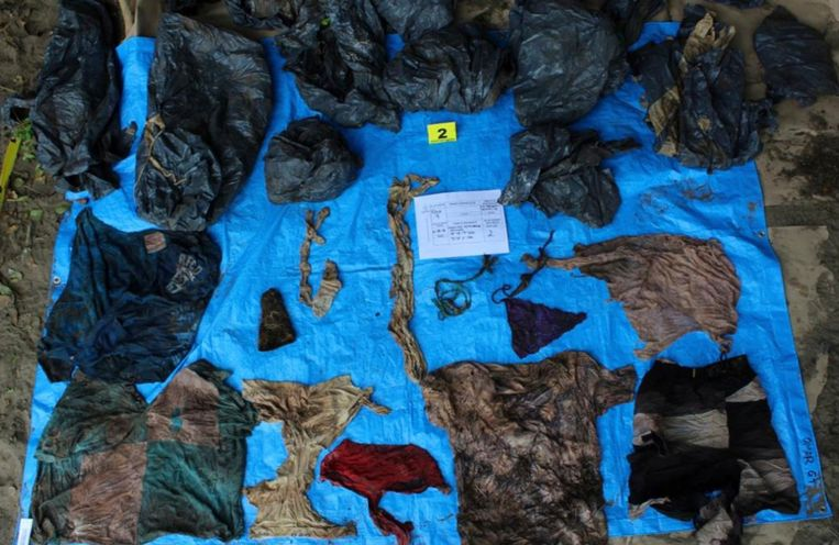 Kleding die gevonden is in de buurt van een van de massagraven. De Mexicaanse politie heeft 32 massagraven ontdekt in de Mexicaanse deelstaat Veracruz.