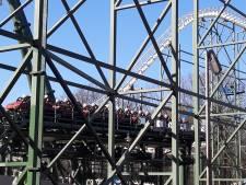 Poppen maken eerste testrondjes nieuwe Python;  bekendste achtbaan Efteling op paaszaterdag weer open