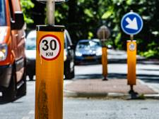 Ludieke 30-km stickers veroorzaken verwarring op 50-km wegen: 'Krankzinnig als je hieraan meewerkt'