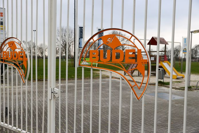 De poorten van Budel blijven gesloten.